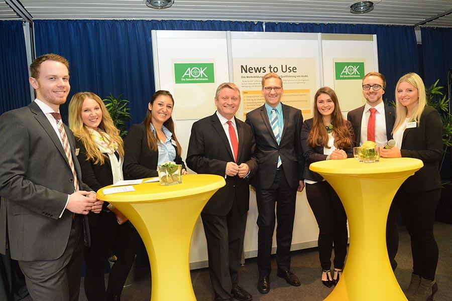 Gruppenfoto bei einem Treffen von News to use mit der AOK
