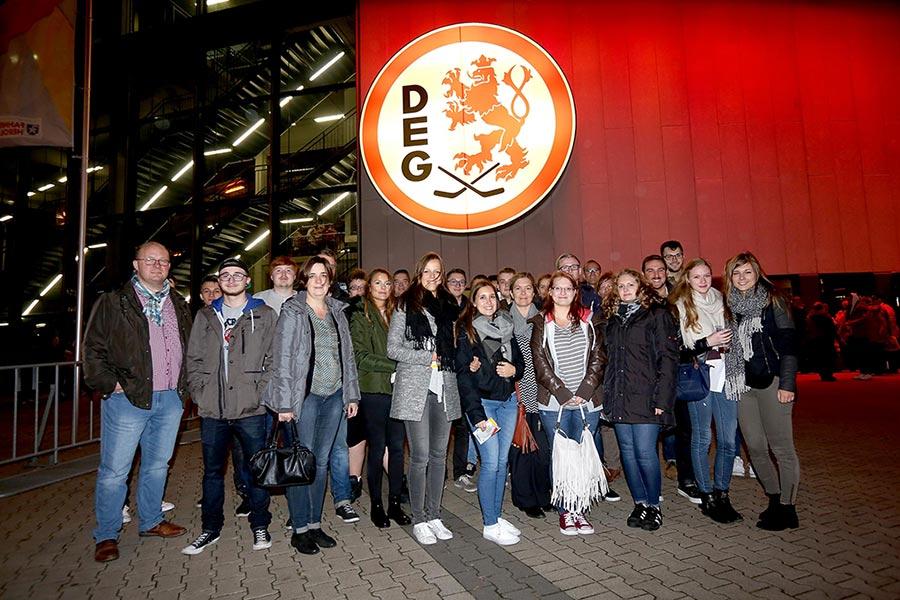 Gruppenfoto bei DEG Abschlussevent
