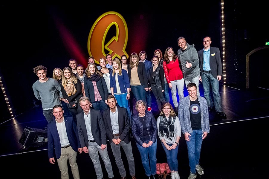 Gruppenfoto von News to use im Quatsch Comedy Club